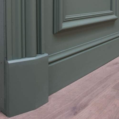 Element dekoracyjny do listwy drzwiowej D330LR (wym.12.6x4.1x16cm)